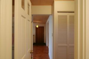 玄関の奥にレストルーム